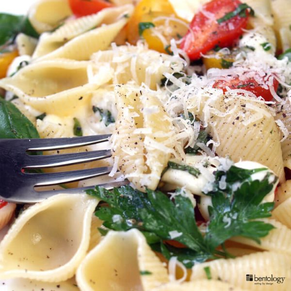 Portion Perfect Fasta Pasta No-Cook Pasta with Tomatoes, Mozzarella, basil, garlic, shell pasta and parsley