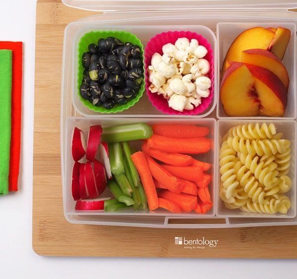 healthy-snack-great-lunch_vegetarian_fasta-pasta_protein-edamame-peach-fork-bamboo-produce-cutting-board_napkins_blog