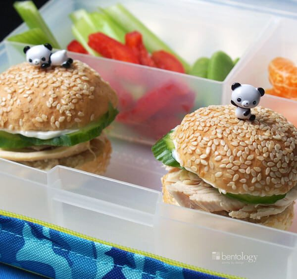 Chicken Hamburgers for the kids minis sliders with cucumber and roast chicken